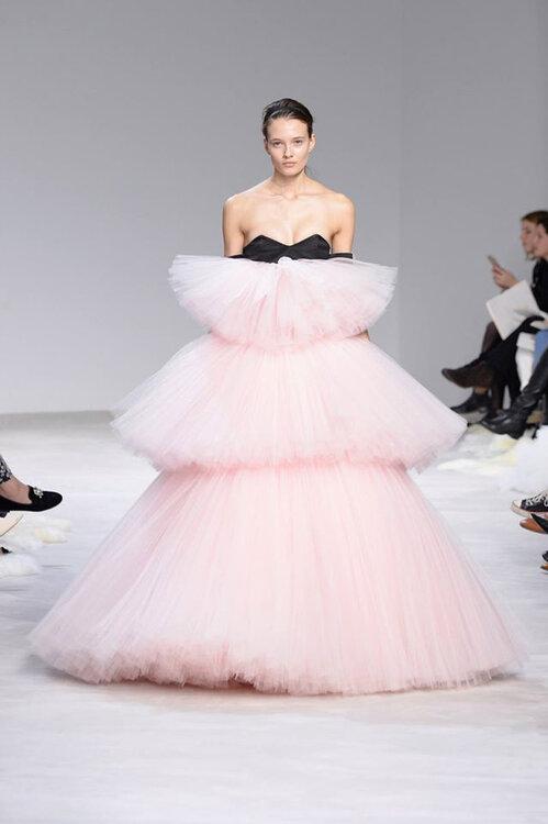 Festmode für Hochzeitsgäste: Paris Fashion Week im ...