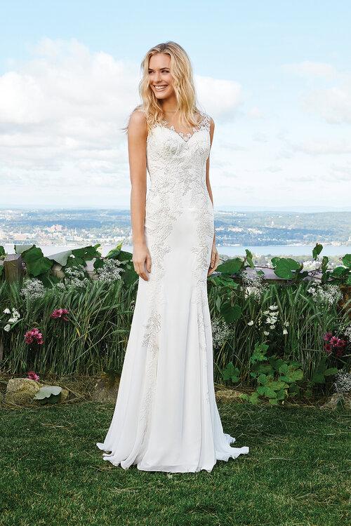 Brautkleider von Lillian West für Herbst/Winter: einmalig und ...