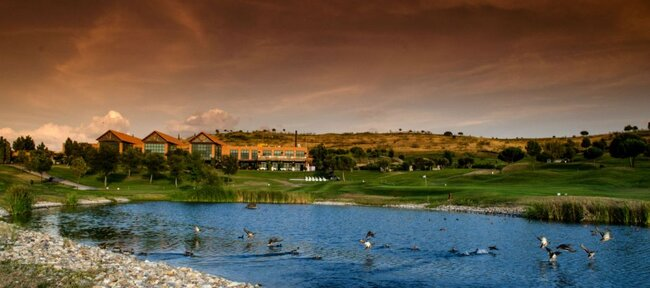 """<a href=""""http://zankyou.9nl.de/ubsl"""">Club de Golf Suites Retamares</a>"""