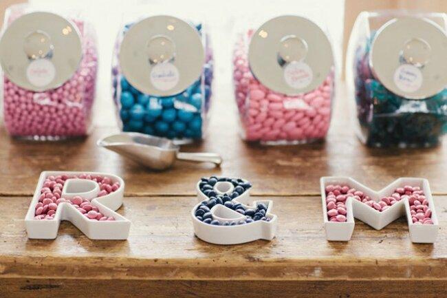 Letras rellenas de dulces para personalizar tu candybar.