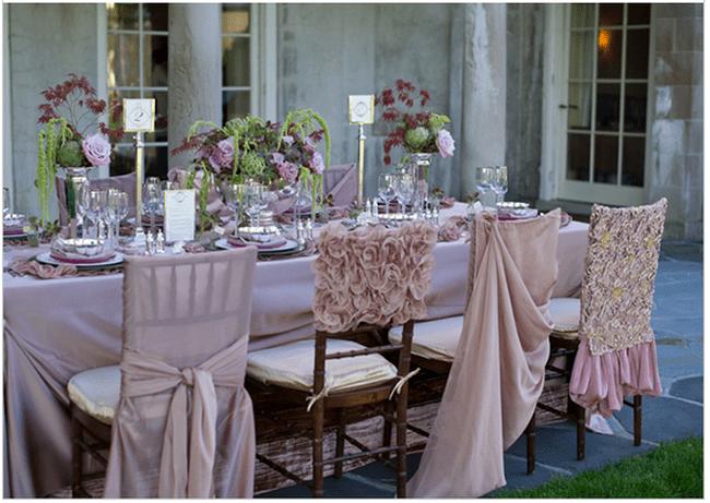 Decoraciones originales para las sillas del banquete de bodas for Decoracion bodas originales