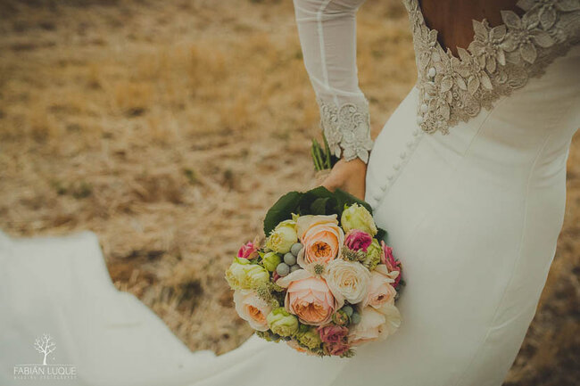 50 Wedding Bouquet Ideas For Your Summer Wedding 2018
