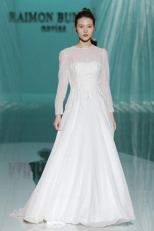 Raimon Bundó\'s 2018 Wedding Dress Collection: Mix Tradition with the ...