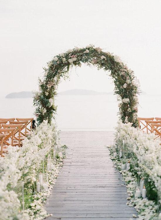 Trend alert 25 ways to decorate your wedding altar in the most trend alert 25 ways to decorate your wedding altar in the most original way junglespirit Gallery
