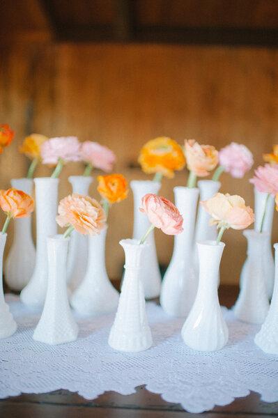 des roses dans votre d coration de mariage une tendance qui ne f ne pas. Black Bedroom Furniture Sets. Home Design Ideas