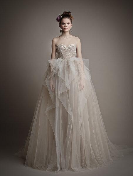 Vestidos de novia en colores oro y plata: ¡Bienvenidos sean el ...
