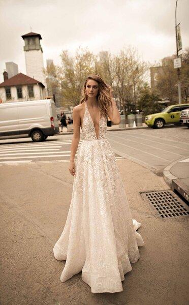 Abiti da sposa con scollo halter