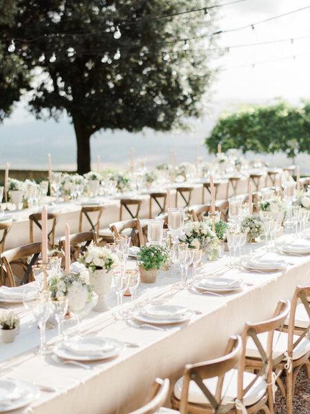 Tavoli imperiali scopri la nuova tendenza per le for Decorazioni tavoli matrimonio