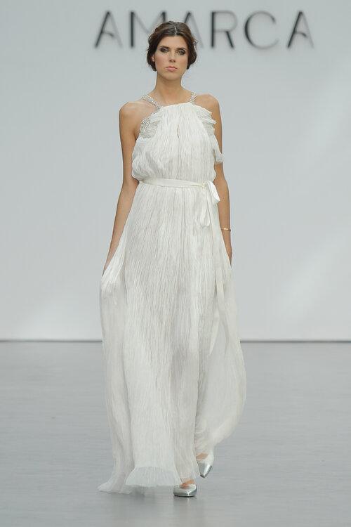 Bekend Bruidsjurken voor vrouwen met kleine borsten. 40 ontwerpen die je  &UO59
