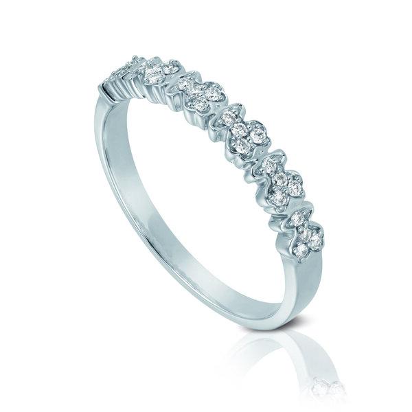 Anillo oro blanco y diamantes.