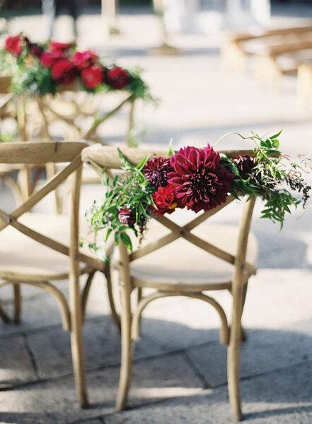 Het decoreren van de stoelen  idee u00ebn voor de bruiloft van 2016