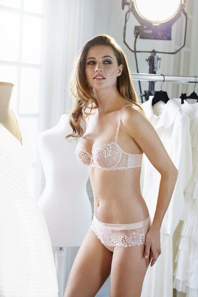 Hot Trends In Bridal Lingerie Feel Super Sexy On Your