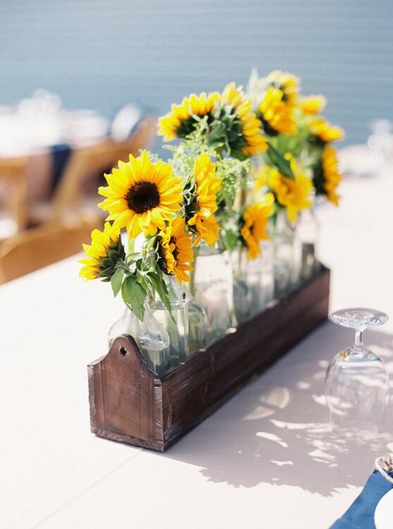 Sonnenblumen als sommer dekoration f r die hochzeit for Dekoration fur die hochzeit