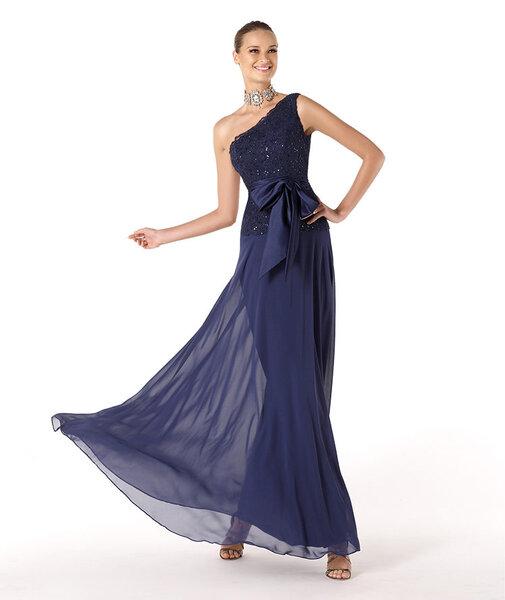 Vestido de fiesta 2014 para dama de boda en color azul marino con escote asimétrico y detalle de lazo en la cintura
