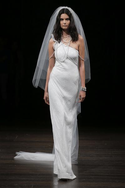 Bruidskapsel met sluier