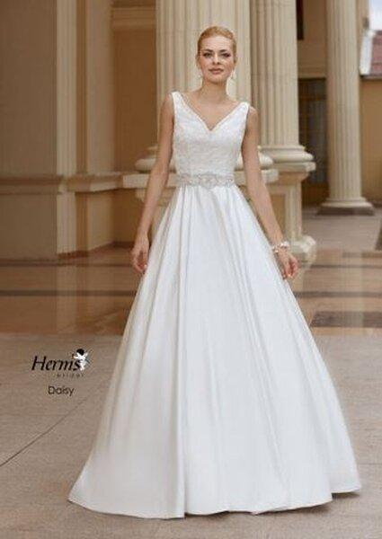 Suknia ślubna z kolekcji Herm's 2013, model:Daisy