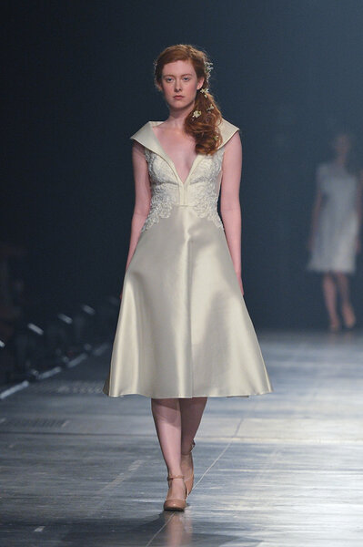 Krótka suknia ślubna 2014.