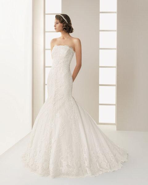 Suknie ślubna zdobiona koronką, kolekcja Two by Rosa Clara 2013, model: Dack