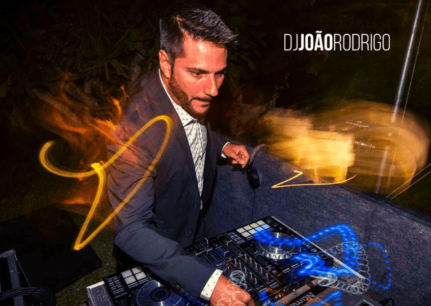 DJ João Rodrigo: conheça o trabalho do expert e confira suas dicas para fazer a pista da sua festa bombar sem cair no lugar comum
