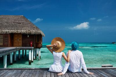 Las 7 cosas que no deben faltar en tu maleta para el viaje de luna de miel: ¡Disfrútalo al máximo!