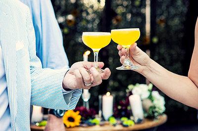 Un bar à cocktails original et coloré pour surprendre vos invités