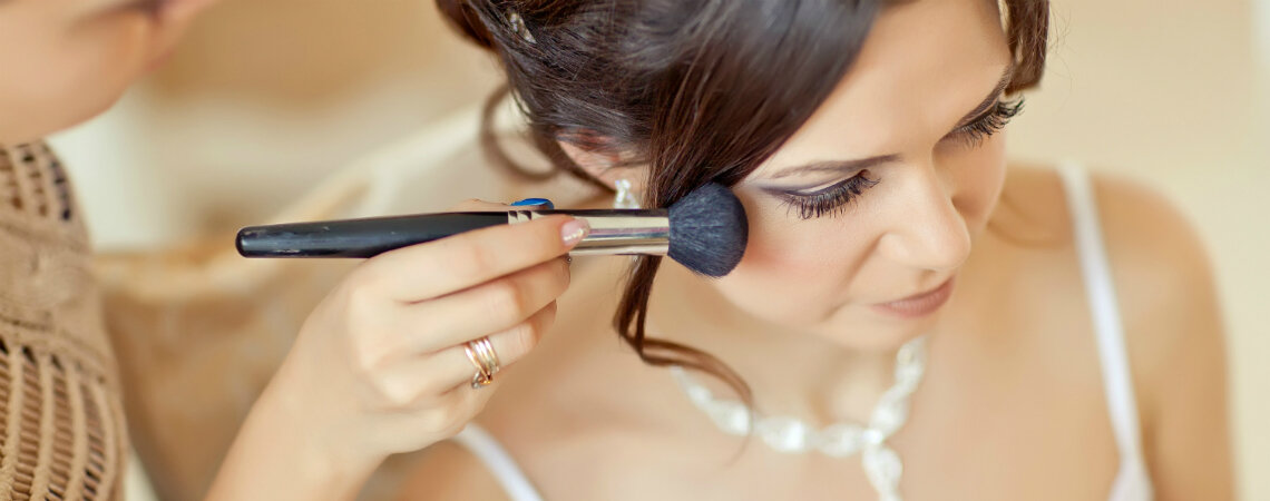 ¿Cómo elegir el peinado y maquillaje para mi matrimonio en solo cinco pasos?