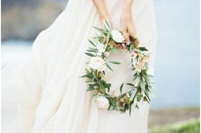 Een bloemenkrans in plaats van een bruidsboeket? Bekijk deze nieuwe trend!