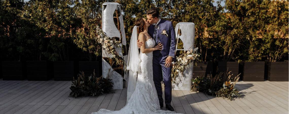 Под крылом самолета: свадьба Андрея и Евгении