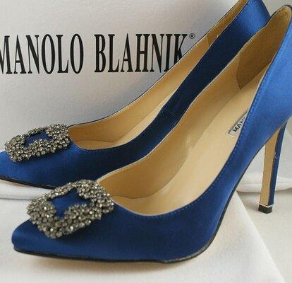 dded1da5 Los zapatos Campari de Manolo Blahnik se convierten en joyas para boda