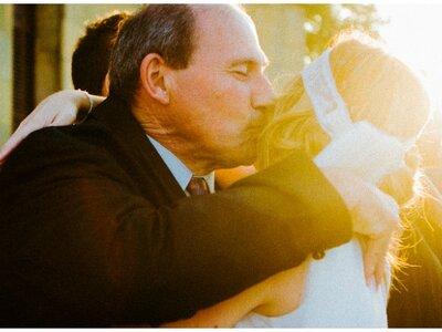 6 cose che SOLO i tuoi genitori potranno fare nel giorno delle tue nozze
