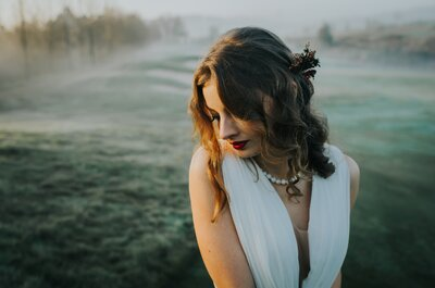 Penteados desarrumados para noivas modernas
