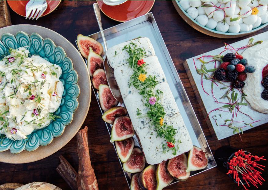 Até o último pedacinho: os caterings que farão os seus convidados gritarem por mais!