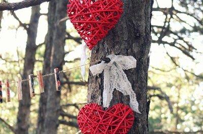 Hochzeitsdekoration mit Herzen