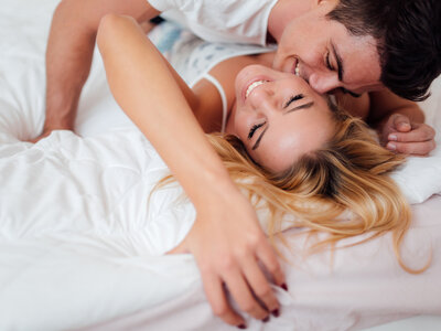How to Maintain the Spark in Your Love Life - Sexologist Laura Rosingana Gives Us Expert Tips!