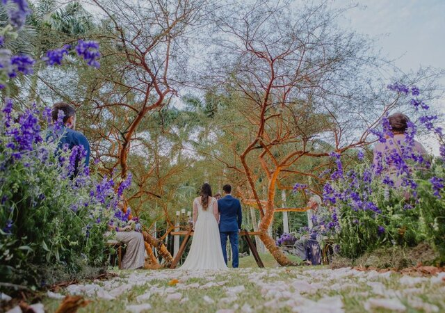 Mariana & Raphael: Lago Buriti é cenário perfeito para o casamento dos sonhos do casal