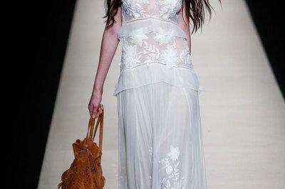 La novia boho chic por excelencia: Alberta Ferretti te enamorará con su propuesta creativa 2015