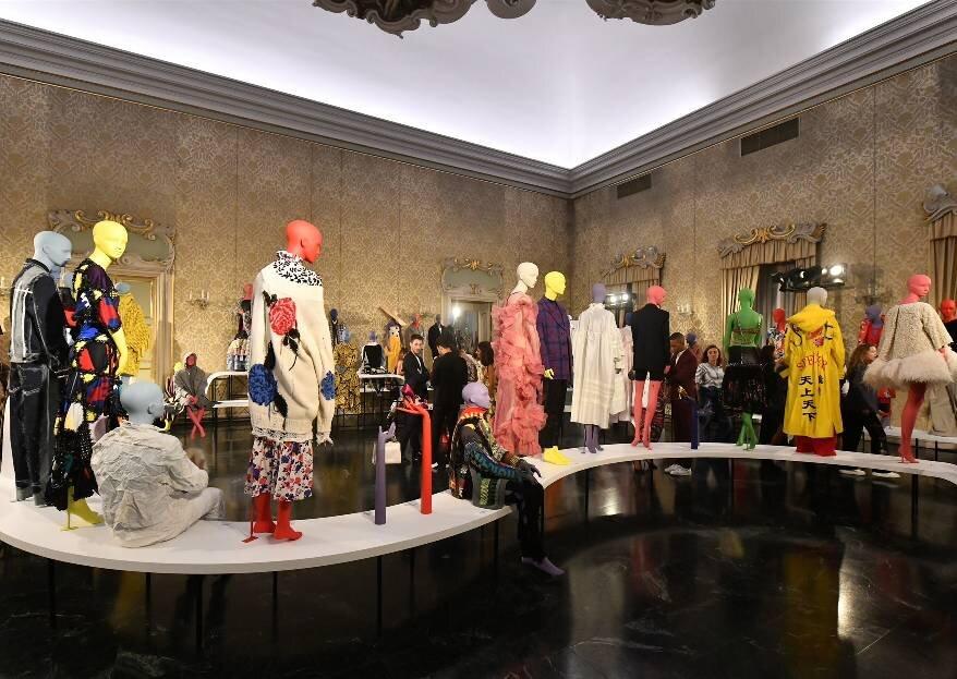 Beretkah…! на открытии выставки в честь 10-летия Vogue Talents в Милане