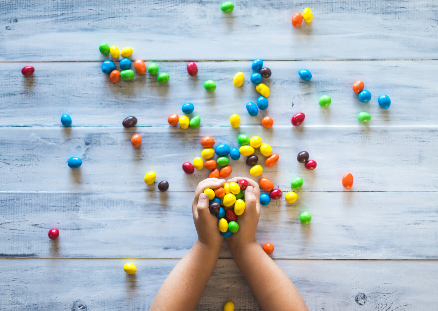 ¿Cómo decorar la mesa de los niños en un matrimonio? ¡Ideas para hacer feliz a los más pequeños!