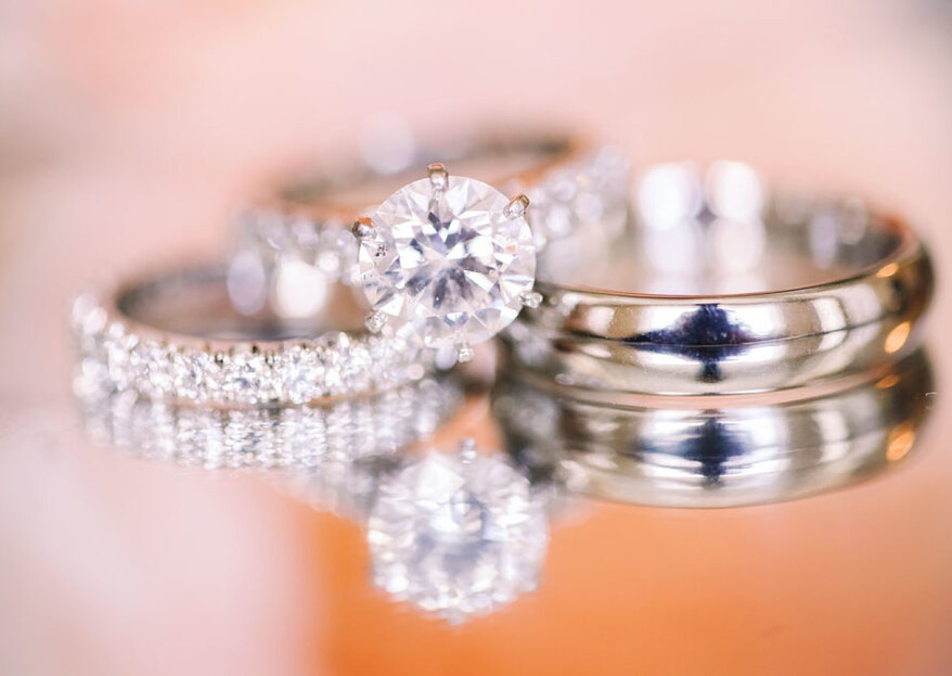 Cómo combinar la alianza y anillo de compromiso: 4 claves para crear el bridal set perfecto
