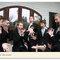 Szalone zdjęcia ślubne: Zdziwieni goście, że Pan Młody się żeni, Foto: Plum Tree Studios