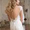 Wählen Sie ein Brautkleid mit tiefen Rückenausschnitt für einen unvergesslichen Hingucker
