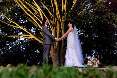 Casamento inesquecível de Luciana & Hugo: rústico, ao ar livre e na fazenda!