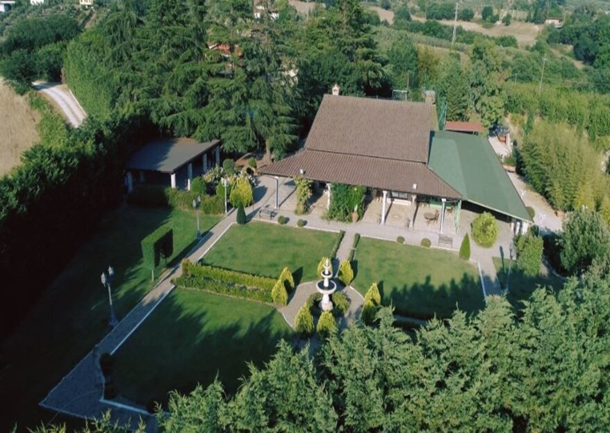 Villa Colonnetta, un giardino segreto in cui pronunciare il vostro sì, tra romantiche rose e camelie antiche