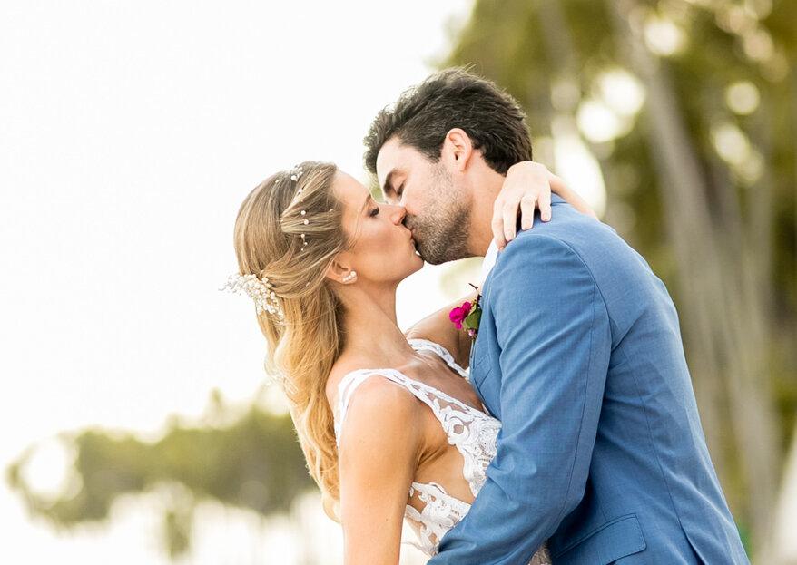 Flávia & Fabio: destination wedding rústico e muito animado na Praia dos Carneiros