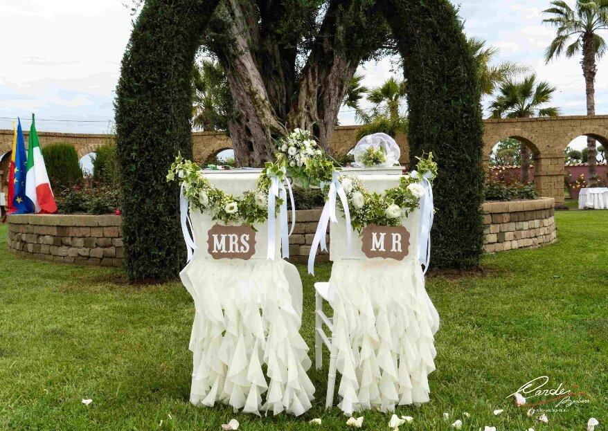 A Villa dei Desideri potrete celebrare il rito civile autentico nel verdeggiante giardino della struttura!