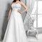 Suknia ślubna z odrytymi ramionami, Foto: Agnes 2015