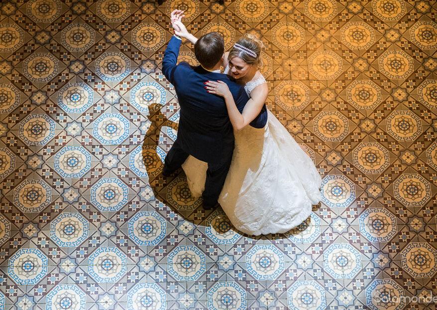 Vanessa & Carlos Felipe: Casamento clássico e colorido na tradicional Confeitaria Colombo, no Rio de Janeiro