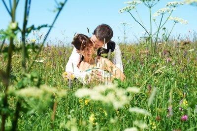 Romantische Hochzeitsfotos in wunderschönen Landschaften