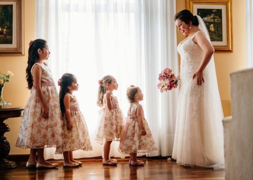 Garanta fotos de casamento lindas, retratando emoção e beleza com clicks espontâneos.