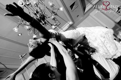 Stil-Vergleich: Hochzeiten von Bräuten im Alter von 20 bis 30 Jahren, 30 bis 40 Jahren und 40 bis 50 Jahren!
